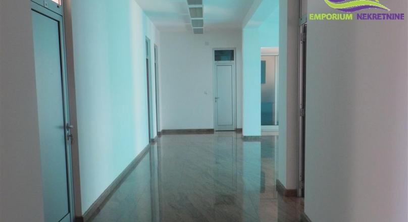 Više poslovnih prostora na II spratu ID:16/ENL