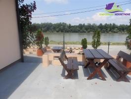 Restoran sa trosobnim stanom pogodnim za apartmene na rijeci Savi!