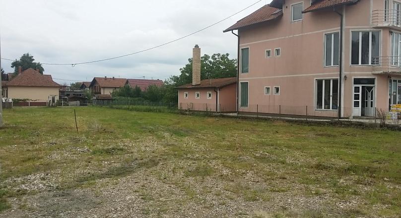 Građevinsko zemljište za poslovni i stambeni prostor!