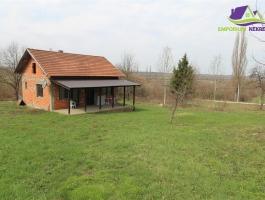 Zemljište površine 14251m2 sa useljivom kućom!