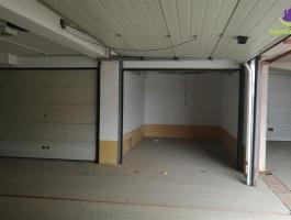 Dvije garaže sa duplim rolo vratima!