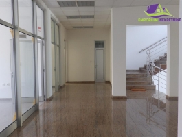 Više poslovnih prostora na I spratu ID:16/ENL
