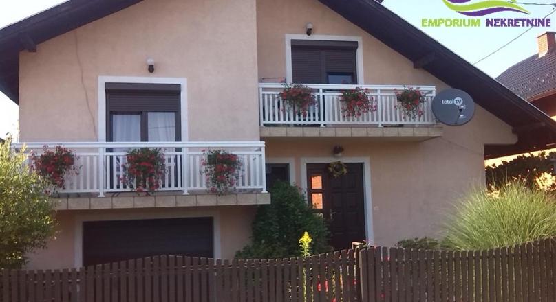 Kompletno namještena kuća !!!