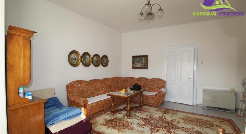 Renoviran stan u austro-ugarskoj gradnji!