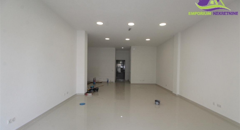 Poslovni prostor površine 37m2 u prizemlju!