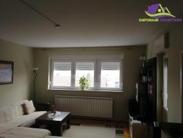 Trosoban renoviran stan u Š naselju ID:1314/EN