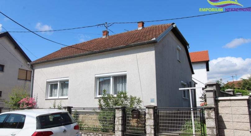 Kuća površine 120 m2 na parceli 304 m2! ID:1603/EN