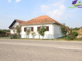 Kuća površine 156m2 u osnovi na placu od 752m2 u Obudovcu.